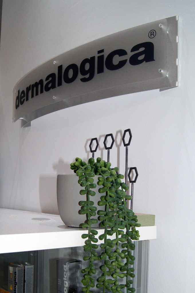 dermalogica-wall-bw